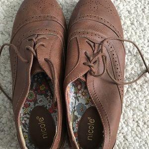 9W cute brown tie shoes